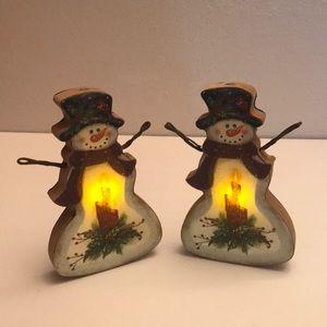 Two light up Snowmen